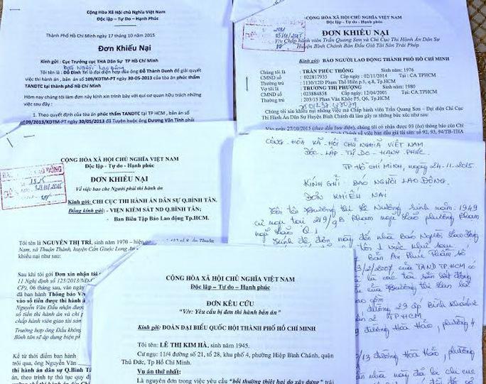 Nhiều đơn thư khiến nại của người dân gửi Báo Người Lao Động phản ánh về việc chậm thi hành án