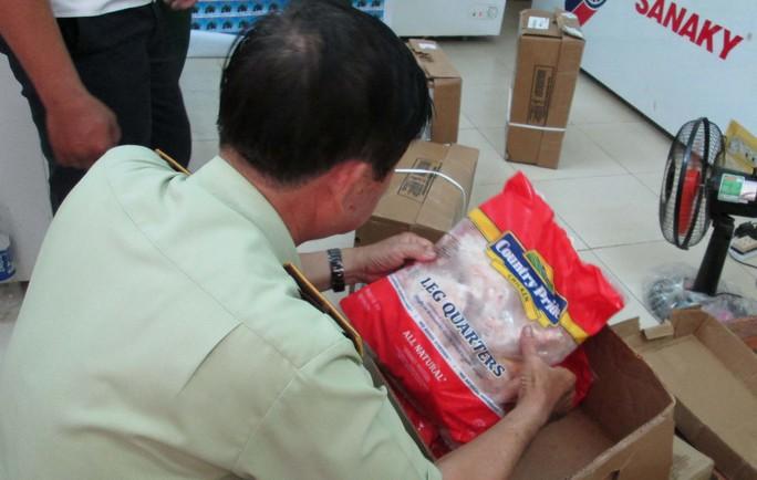 Đùi gà Mỹ được nhập ồ ạt về Việt Nam bán với giá rất rẻ