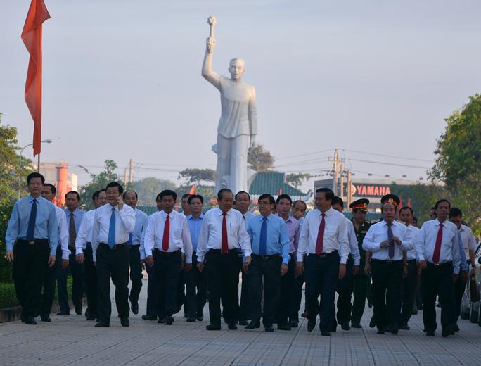 Chủ tịch nước Trương Tấn Sang dự lễ kỷ niệm 75 năm ngày khởi nghĩa Nam Kỳ và 50 năm chiến thắng trận Đức Lập, Long An