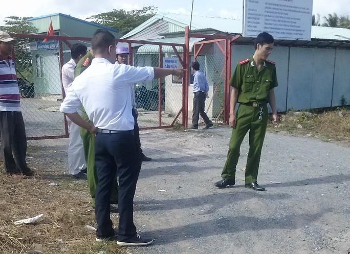 Công an dựng lại hiện trường vụ người của UDIC đánh phóng viên