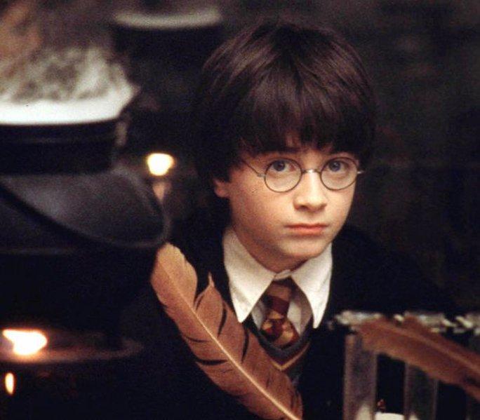 Daniel Radcliffe nổi tiếng từ vai Harry Potter trong loạt phim cùng tên