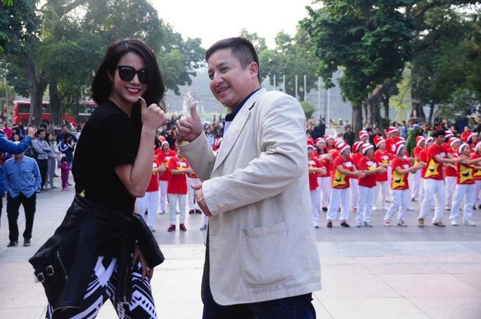 Diệp Lâm Anh với nghệ sĩ Chí Trung trong phần lên sóng đầu tiênẢnh: Zu Nguyễn