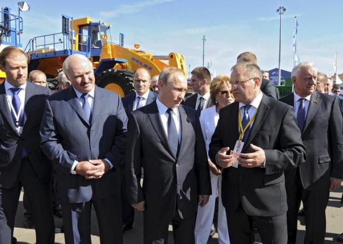 Tổng thống Nga và Tổng thống Belarus gặp nhau ở Nga ngày 18-9. Ảnh: Reuters