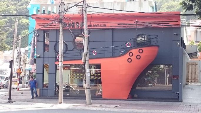 Quán Beer Club Ship, nơi xảy ra vụ việc