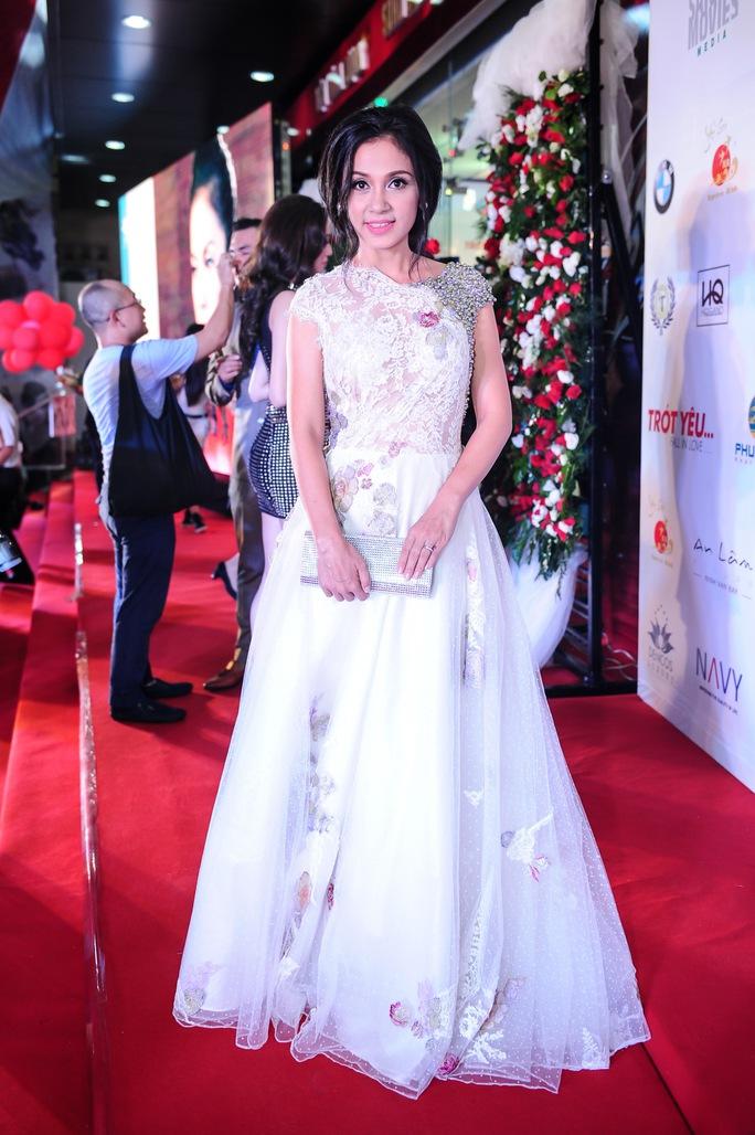 Nữ diễn viên kiêm đạo diễn Việt Trinh