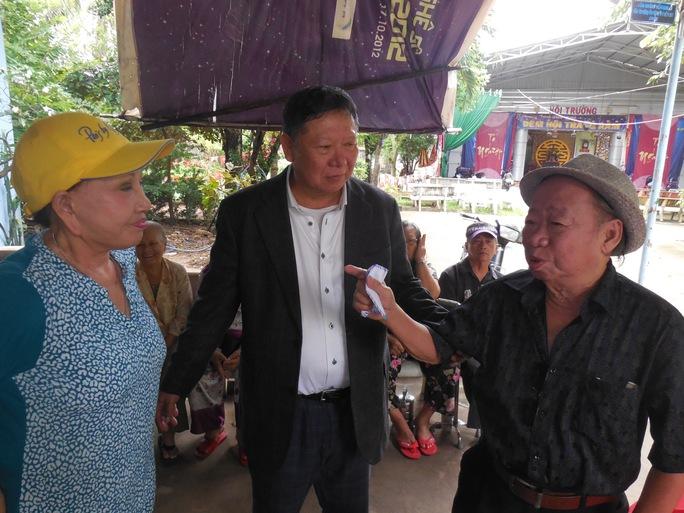 Hồng Nga vui mừng gặp danh hài Tùng Lâm tại Khu dưỡng lão nghệ sĩ TPHCM