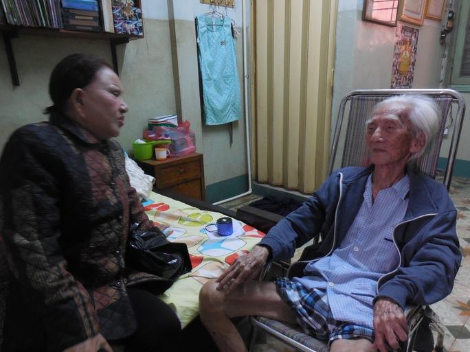 Hồng Nga thăm thầy - soạn giả Viễn Châu