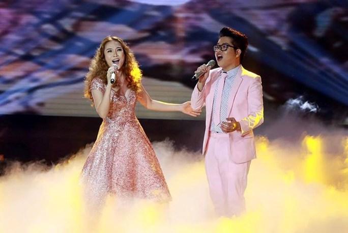 HLV Mỹ Tâm và học trò Đức Phúc biểu diễn trong đêm chung kết chương trình giọng hát Việt