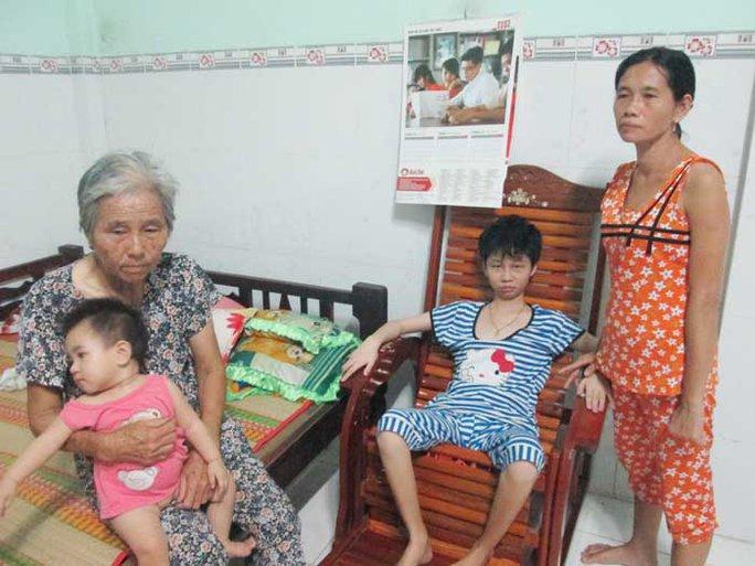Hoàn cảnh gia đình em Kiệt đã khó đã khổ này càng thêm buồn, khổ