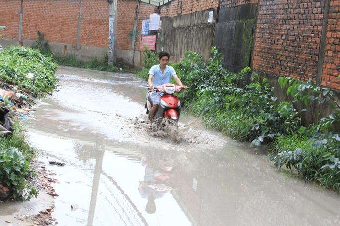 Hẻm 520 Quốc lộ 1A, phường Hiệp Bình Phước, Thủ Đức thường xuyên bị ngập nước