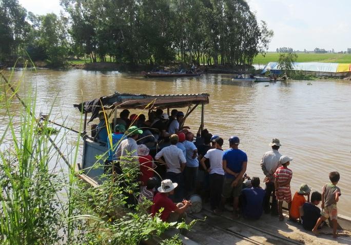 Hiện trường vụ lật trẹt làm 4 người mất tích ở xã Cô Tô.