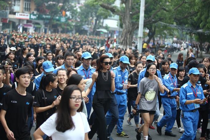 Hơn 4.000 đoàn viên, thanh niên, CSGT đi bộ hưởng ứng chiến dịch