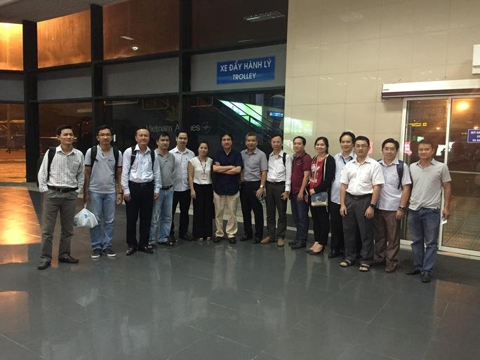 Nhóm y, bác sĩ BV Chợ Rẫy và BV Việt Đức hộ tống quả tim và lá gan về Hà Nội để thực hiện ca ghép tạng ngay trong đêm