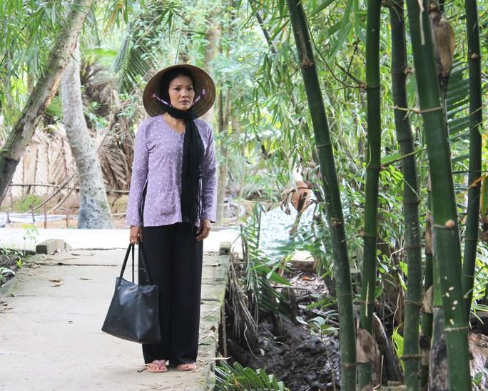 Diễn viên Kiều Trinh vẫn may quần áo kiếm sống