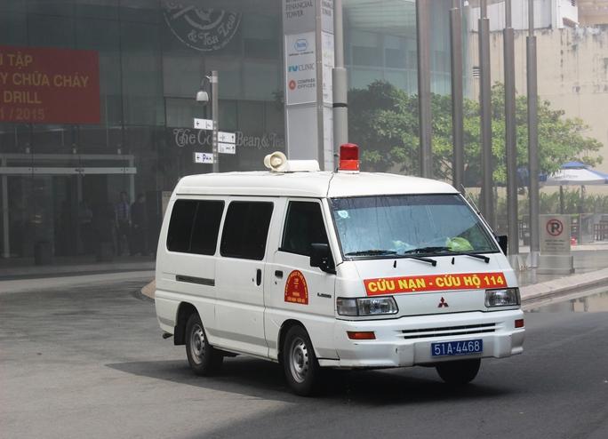 Xe cứu thương thuộc lực lượng cứu nạn - cứu hộ có mặt, sẵn sàng ứng khó khi có tình huống xảy ra