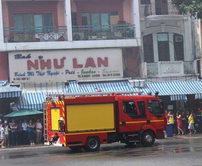 Ngay sau đó, lực lượng PCCC có mặt và triển khai công tác cứu hỏa