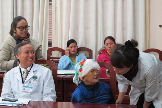 Bệnh nhân Chài nói lời cảm ơn các y bác sĩ đã giúp và giải thoát khối u khổng ồ trên mặt