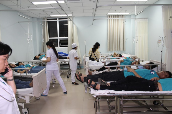 Công nhân ào ạt vào nhập viện