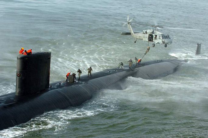 http://media.defenceindustrydaily.com/images/SHIP_SSN-769_Toledo_with_SH-60_lg.jpg