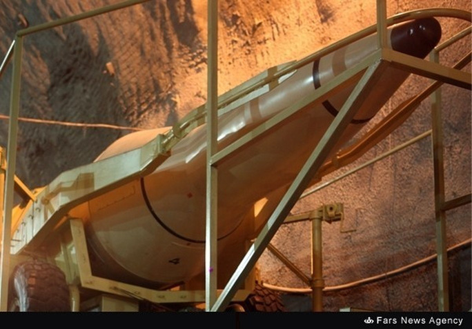 Vào năm 2016, Iran sẽ thay thế các tên lửa tầm xa hiện nay bằng các tên lửa thế hệ mới. Ảnh: FARS