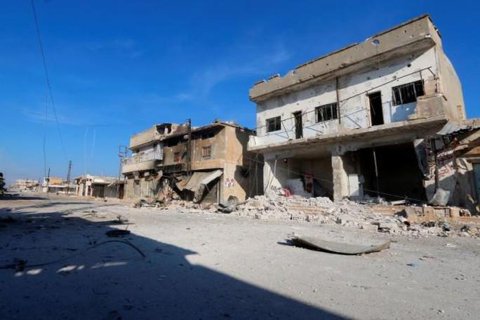 Cảnh tan hoang ở tỉnh Hama, Syria Ảnh: REUTERS