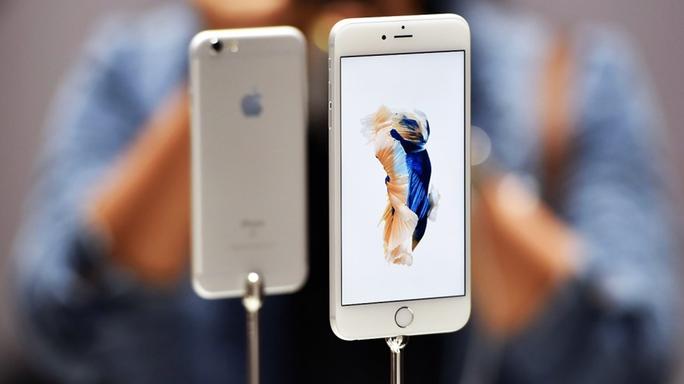 Không công bố khả năng chống nước nhưng bộ đội iphone 6s mặc nhiên chống nước khá tốt.