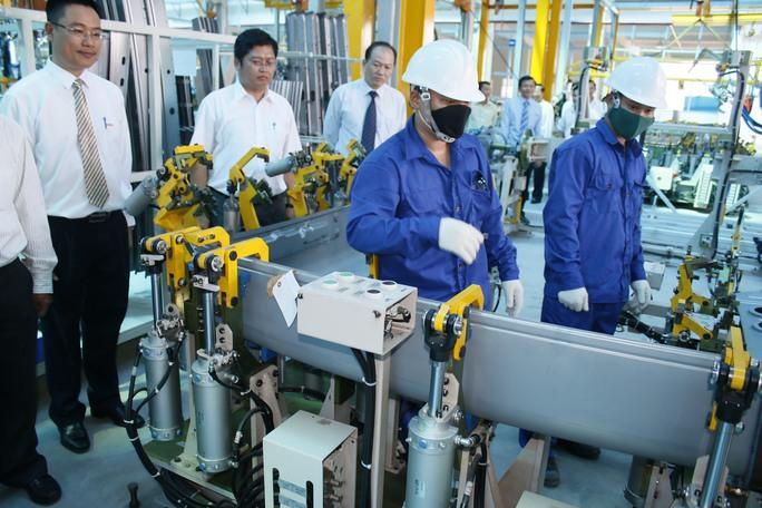 Công nhân Nhà máy Ô tô thương mại SAMCO tuân thủ chặt chẽ kỷ luật lao động
