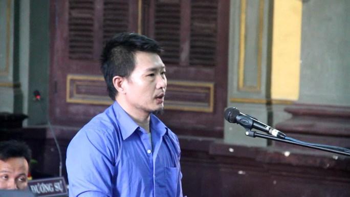 Bị cáo Nguyễn Thế Việt tại phiên tòa phúc thẩm, sáng 26-10