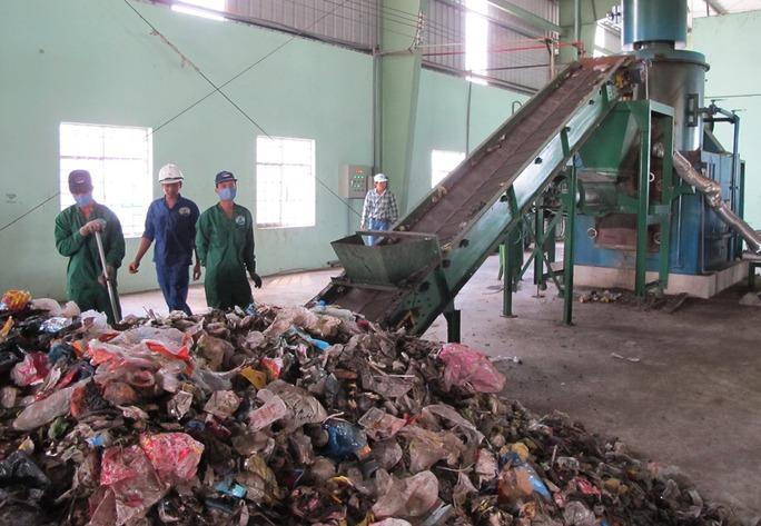Nhà máy xử lý rác thải Cà Mau, nơi chị Mai nhặt được bóp vàng