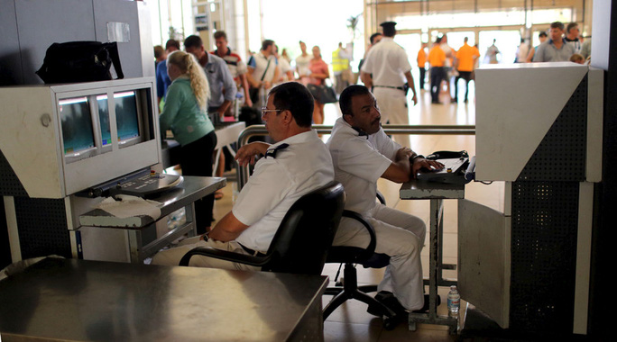 Hãng tin AP mới đây đăng tải bài điều tra chỉ ra nhiều lỗ hổng an ninh tại sân bay Sharm el-Sheikh. Ảnh: Reuters