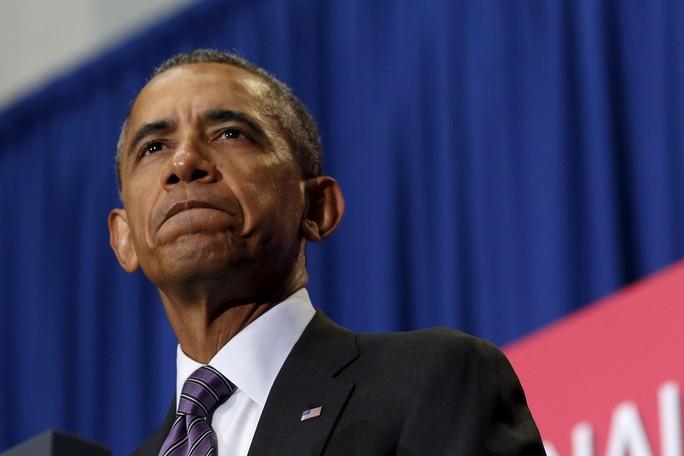 Tổng thống Mỹ Obama phát biểu trong lễ tưởng niệm thường niên các nhân viên cứu hỏa hi sinh tại Emmitsburg, bang Maryland hôm 5-10. Ảnh: Reuters