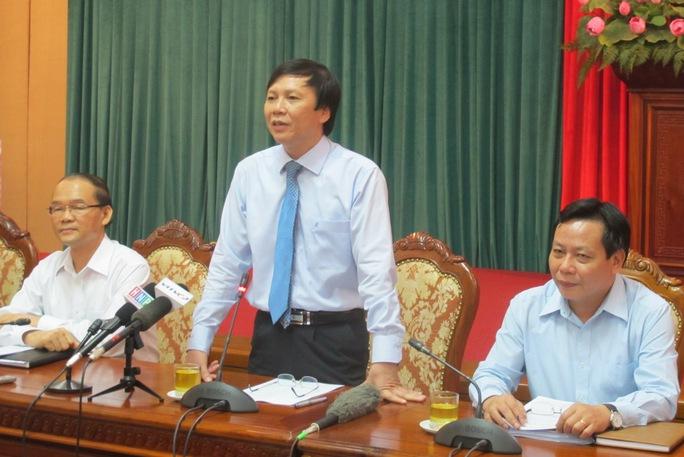 Lãnh đạo Ban Tuyên giáo, Ban Tổ chức thành ủy Hà Nội chủ trì buổi giao ban báo chí chiều 20-10. ảnh: Văn Duẩn