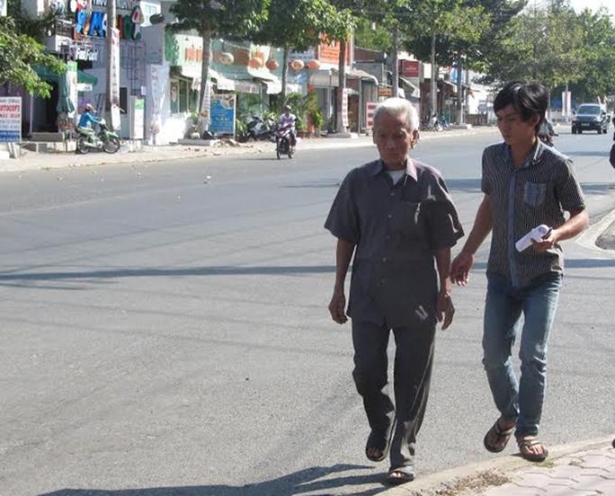 Ông Huỳnh Văn Truyện nhiều năm đi kêu oan cho con là Huỳnh Văn Nén