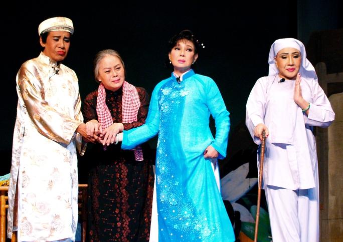 NSƯT Thanh Nguyệt và thế hệ vàng sân khấu cải lương trong vở Áo cưới trước cổng chùa