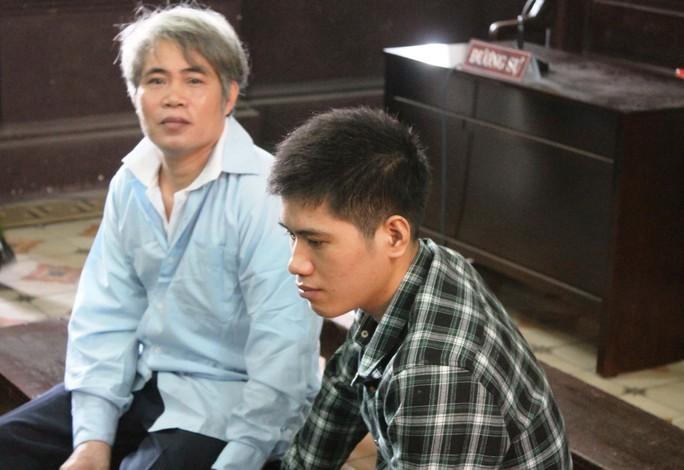 Hai cha con ông Nguyễn Văn Mã hầu tòa