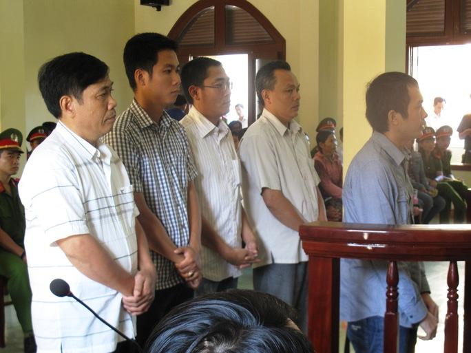 Phiên tòa vắng bị cáo NguyễnTấn Quang