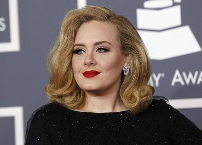 Adele làm nên kỳ tích trong lần trở lại này với album 25