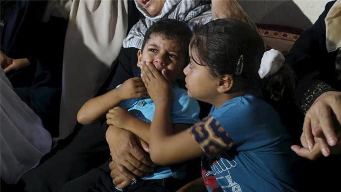 Tình trạng bạo lực để lại vết sẹo hằn sâu trong tâm lý trẻ em Palestine Ảnh: REUTERS