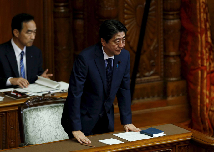 Thủ tướng Nhật Bản Shinzo Abe tại Quốc hội hôm 18-9 Ảnh: REUTERS