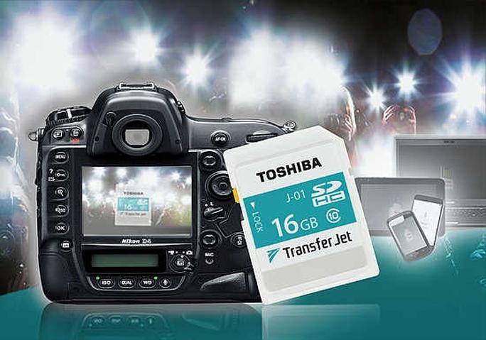 Toshiba ra mắt thẻ nhớ TransferJet tốc độ siêu nhanh