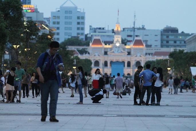 Chỉnh trang đô thị là chương trình đột phá mới được đặt ra trong nhiệm kỳ 2015-2020. Trong ảnh: Phố đi bộ Nguyễn Huệ (quận 1). Ảnh: HOÀNG TRIỀU