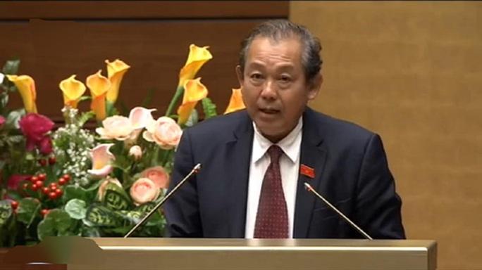 Chánh án Tòa án nhân dân Tối cao Trương Hòa Bình trình bày Báo cáo - Ảnh chụp qua màn hình