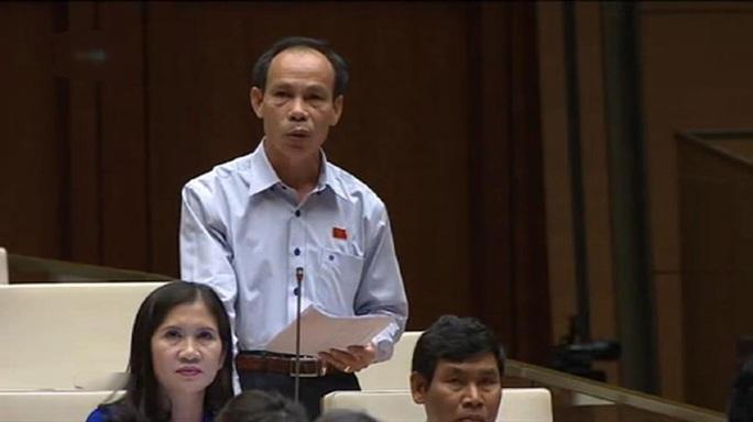 Đại biểu Trương Văn Vở (Đồng Nai) trong phần chất vấn của mình gửi câu hỏi đến 5 vị Bộ trưởng - Ảnh chụp qua màn hình