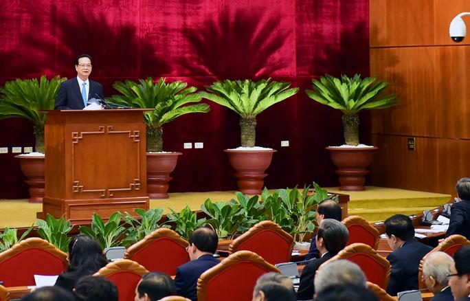 Thủ tướng Nguyễn Tấn Dũng trình bày Báo cáo tình hình kinh tế-xã hội