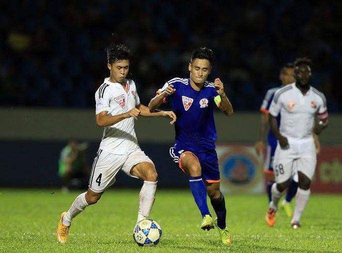 Vũ Minh Tuấn thi đấu xuất sắc với cú đúp bàn thắng