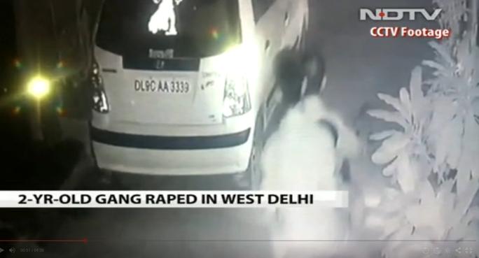 Nghi phạm vụ bắt óc bé gái 2,5 tuổi. Ảnh từ CCTV - NDTV