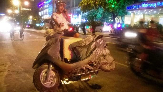 Xe Attila bốc cháy trên đường phố Nha Trang