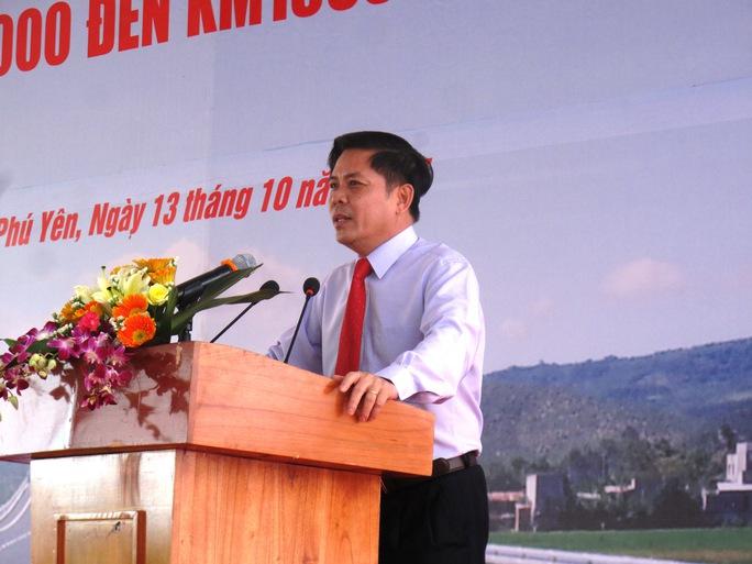 Thứ trưởng Bộ GTVT Nguyễn Văn Thể đánh giá cao sự hợp tác của người dân Phú Yên trong bàn giao mặt bằng