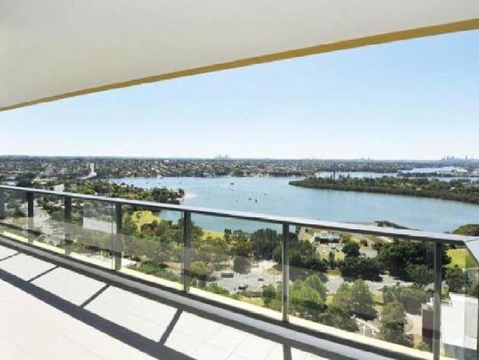 Căn hộ sang trọng nhìn ra cầu cảng Sydney. Ảnh: News.com.au