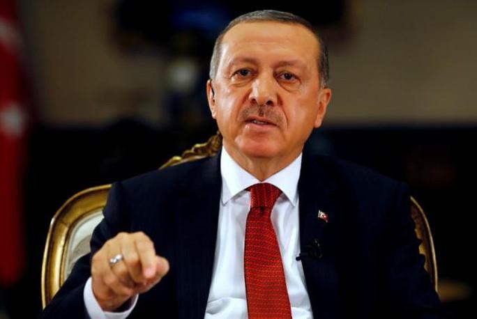 Tổng thống Thổ Nhĩ Kỳ Recep Tayyip Erdogan trong cuộc phỏng vấn với Reuters ngày 21-7. Ảnh: REUTERS